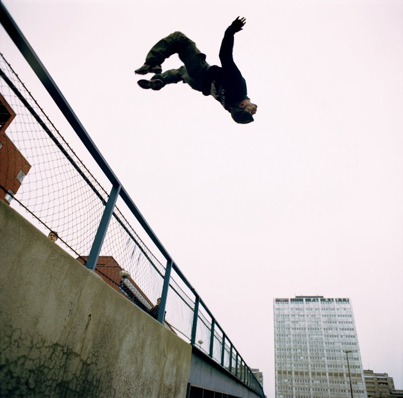 http://freakdejavu.files.wordpress.com/2009/08/parkour.jpg